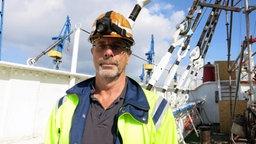 Detlev Löll beim Werftaufenthalt an Bord der Rickmer Rickmers © NDR Foto: Petra Volquardsen