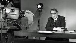 """Peter Merseburger Ab 1967 Leiter und Moderator der Fernsehsendung """"Panorama"""" (erstes politisches Magazin ab 04.06.1961 auf Sendung), 1969 wurde er TV-Chefredakteur des Norddeutschen Rundfunks. 1977 ging Peter Merseburger als ARD-Korrespondent und Studioleiter nach Washington (bis 1982), dann nach Ost-Berlin (1982 bis 1987) und nach London (1987 bis 1991). Anfang 1991 trat er in den Ruhestand und arbeitet seither als freier Schriftsteller. © NDR"""