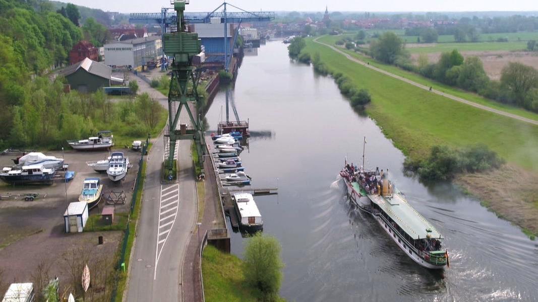 Die Elbe Ganz In Ruhe