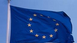 Fahne der Europäischen Union weht im Wind © Picture-Alliance / Bildagentur Huber
