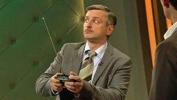 Drohnenexperte Johannes Schlüter zu Gast im Extra3-Studio