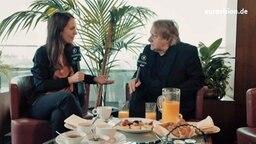 Alina Stiegler und Peter Urban im Interview nach dem ESC-Finale