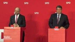 Schulz und Gabriel hinter Rednerpulten der SPD.