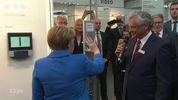 Angela Merkel auf der CeBIT.