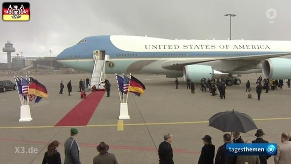Die Air Force One bei der Ankunft in Hannover.
