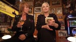 Ina Müller stellt Bierdeckelfragen an Katrin Sass