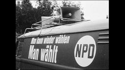 """NPD-Werbung auf einem Auto """"Man kann wieder wählen, man wählt NPD"""""""