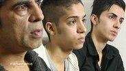 Eine afghanische Familie die in Deutschland lebnt wird interviewt