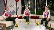Die Bogenschützinnen Michelle Kroppen, Charline Schwarz und  Lisa Unruh.