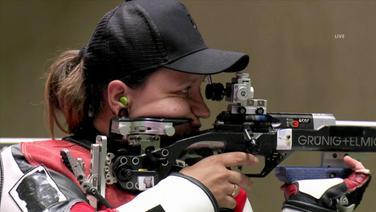 Jolyn Beer konzentriert sich auf ihren Schuss.