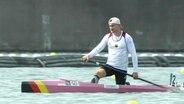 Conrad Scheibner wartet in seinem Kanu auf den Start.