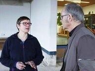 Schulleiterin Julia Gajewski mit Reinhold Beckmann