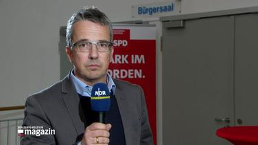 NDR-Reporter in Trappenkamp.