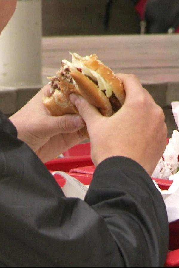 Fast Food kann die Lebenserwartung verkürzen | NDR.de