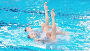 Das russische Duo im Finale vom Dett-Synchronschwimmen