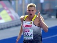 Julian Reus im Lauf.