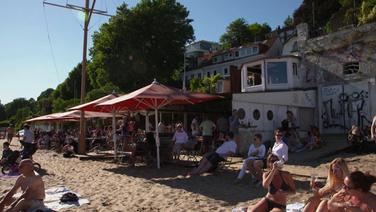 Eine Bar am Elbstrand.
