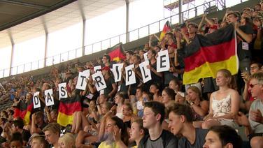 Deutsche Leichtathletikfans im Olympiastadion bei den European Championships