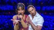 Måns Zelmerlöw und Comedian Petra Mede erklären die perfekte ESC-Performance.