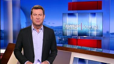 Der Moderator im Hamburg Journal Studio.
