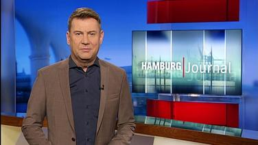 Der Moderator Jens Riewa im Hamburg Journal Studio.
