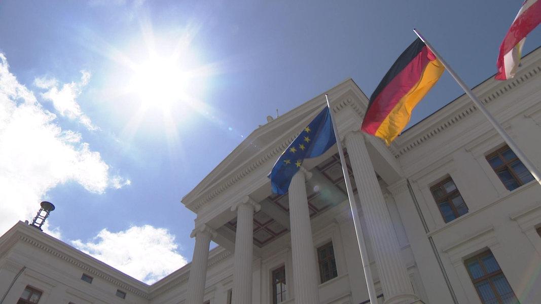 Landesregierung berät Corona-Lage und Wirtschaftshilfen