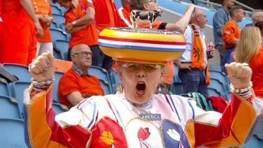 Niederländerin auf der Tribüne im WM-Stadion.