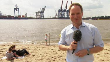 Hamburg Journal 18.00 mit Christian Buhk am Elbstrand in Hamburg.