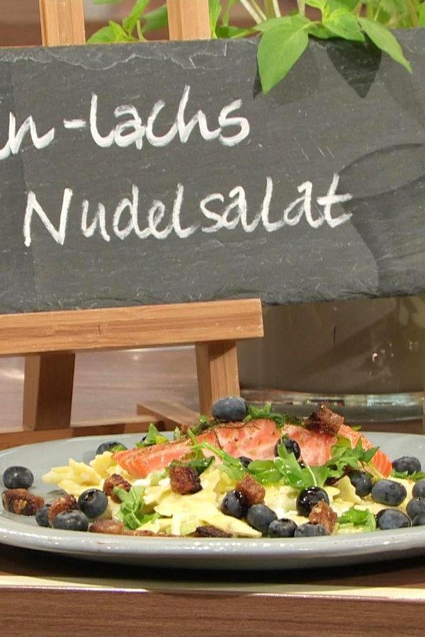 Gin-Lachs mit pikantem Nudelsalat