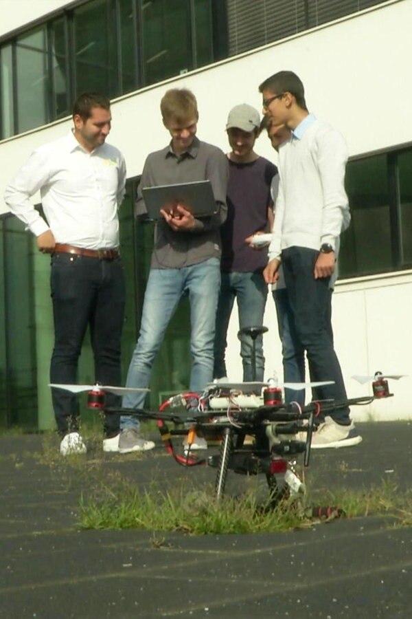 Schüler entwickeln Drohnen für Seenotrettung