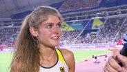 Konstanze Klosterhalfen im Interview nach ihrem Bronzesieg in 5000 Metern bei der Leichtathletik-WM 2019 in Doha.