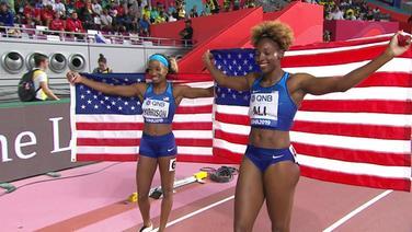 Kendra Harrison und Nia Ali feiern ihren Doppelsieg über die 100m Hürden der Frauen bei der Leichtathletik-WM in Doha