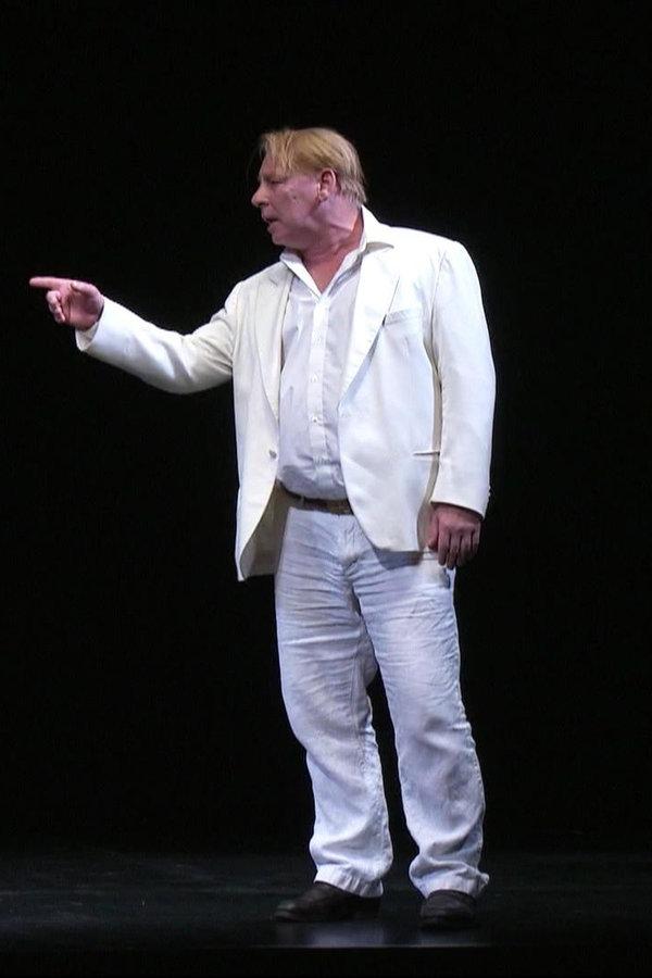 """Caligula"" feiert Premiere im Sankt Pauli Theater"