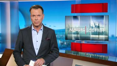 Hamburg Journal Moderator Ulf Ansorge im Studio.