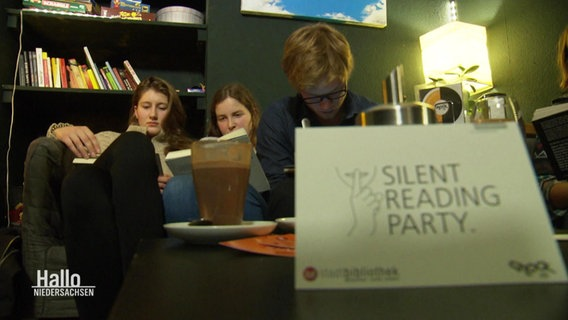 Eine Silent Reading Party im vollen Gange.