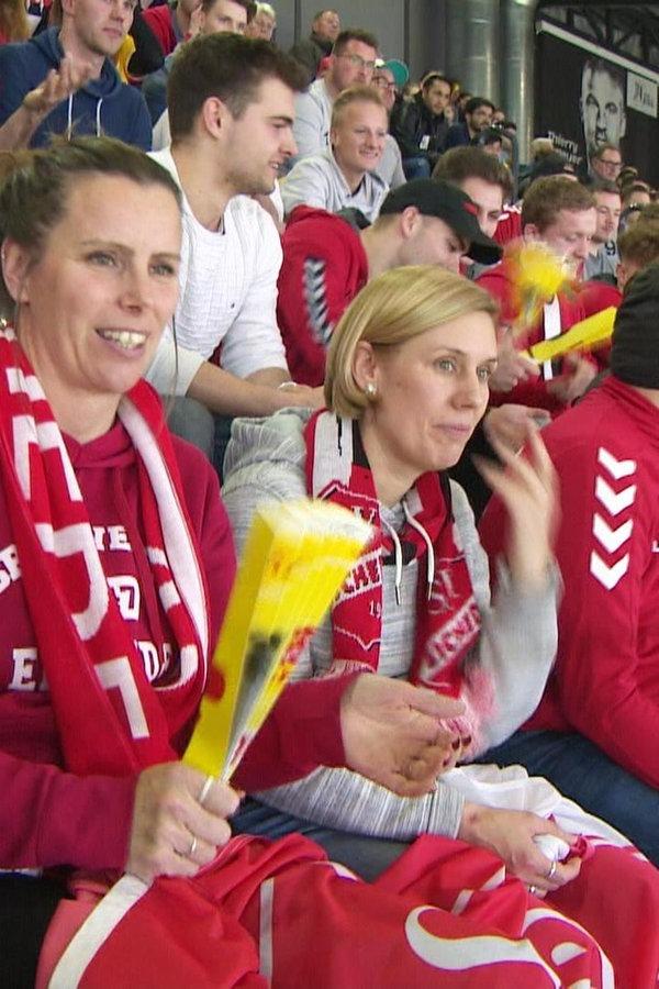 Tausende Fußballfans bei Hallenmasters in Kiel