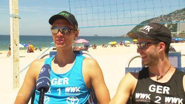 Die deutschen Beachvolleyballer Julius Thole und Clemes Wickler bereiten sich an der Copacabana auf Olympia vor.