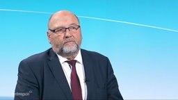 Wirtschaftsminister Harry Glawe im Interview im Studio von Nordmagazin am 16.03.2020.