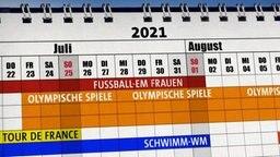 Ein Kalender mit den Sportterminen für das Olympia-Jahr 2021. © NDR