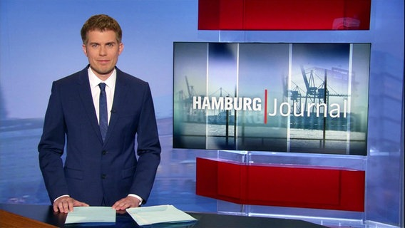 Carl-Georg Salzwedel moderiert das Hamburg Journal um 18.00