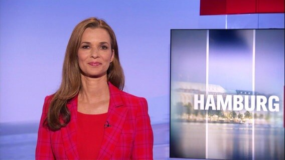 Julia Niharika-Sen moderiert das Hamburg Journal.