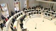 Der Mecklenburgische Landtag entscheidet über die Zukunft der MV Werften.