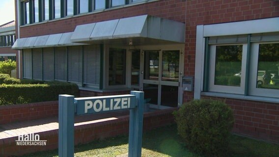 Eingang der Polizeidirektion in Göttingen.
