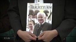 """Horst Seehofer auf dem Titelblatt einer Zeitschrift namens """"Trachtturm""""."""