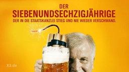 Horst Seehofer hält ein Bierglas in der Hand in der angezündetes Dynamit steckt.
