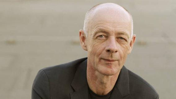 Journalist Friedrich Kuppersbusch Zu Gast Ndr De Fernsehen Sendungen A Z Das