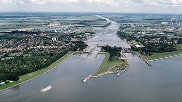Nord-Ostseekanal - die Mündung in die Unterelbe bei Brunsbüttel. © picture-alliance/akg-images
