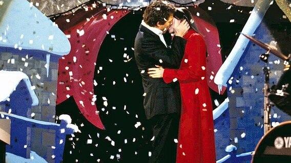 """Hugh Grant als britischer Premierminsister in dem Film """"Tatsächlich Liebe"""". © dpa"""