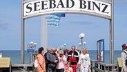Binz auf der Insel Rügen gilt als einer der beliebtesten Urlaubsorte. Die Seebrücke ist mit 370 Metern die zweitlängste der Insel. © NDR/ClipFilm