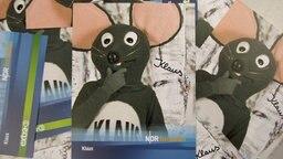 Autogrammkarte von Klaus, der Erklärmaus von extra 3. © NDR Foto: Daniel Sprenger